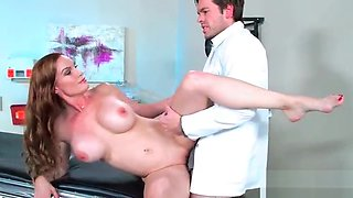 (Diamond Foxxx) Cute Horny Patient Get Sex Treatment From Doctor movie-19