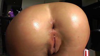 Bigass Babes Stretching Their Gaping Holes