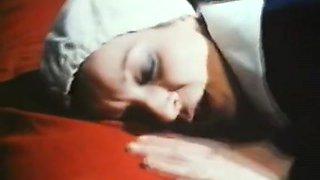 Classic French : Fantasmes pornos d'une novice en chaleur