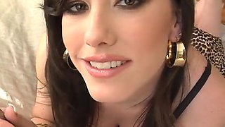 Smoking hot Jennifer White likes it when he cums all over her face