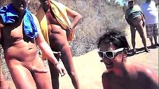 Nudist amateur wife delivers a nice blowjob on the beach
