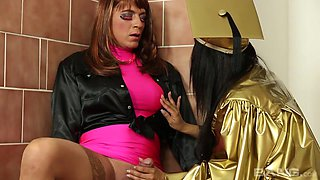 Horny Isabella Chrystin gets talked into riding a dick on the floor