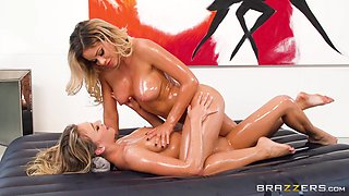 When Jessa Rhodes and Zoey Taylor play with oil you get this