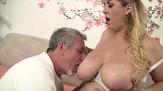 Horny Mexican plumper takes her fuck buddy's long dick and