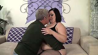 Super horny shemale slut gets her stiff cock sucked good
