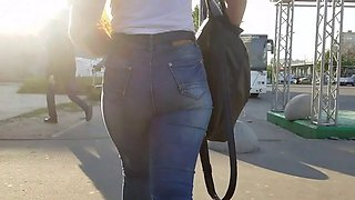 stunning ass in jeans