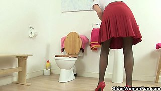 English milfs in bathroom collection