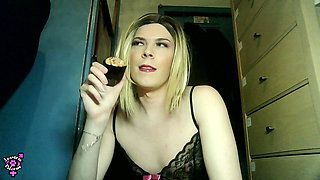 Jessica Bloom - Sissy Cupcakes & Taking the Knot K9 Dildo