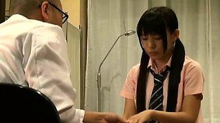 Japanese Doctor Fucks Cute Teen Spycam