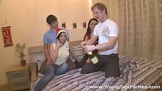 New Year party and a great college groupsex with two babes
