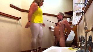 Dominatrix Mistress April – It's a slave life