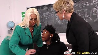 Interracial Anal Threesome with Alura Jenson and Dee Williams