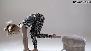 Kinky ass gymnast Rita