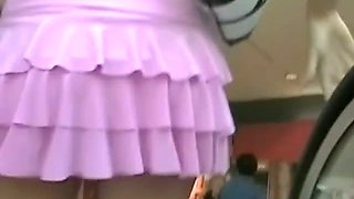 Incredibly hot upskirt blonde teen in a mall