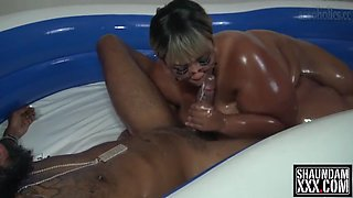 thick ebony bbw oil wrestling