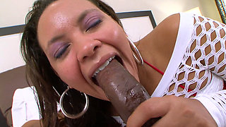 Black Hooker Sucking Black Dick And Getting Fucked Hard
