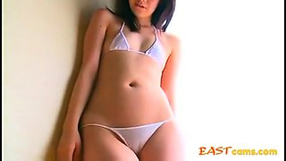 Asian in swimsuit - nice cameltoe