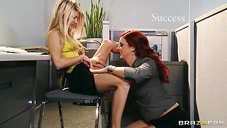 Jayden Cole and Taylor Vixen go lesbian in an office