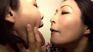 japanese lesbian kissing
