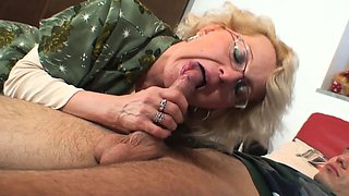 Shaved-pussy old mature pleases an young dude