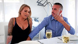 Juelz Ventura is a cute blonde craving to be drilled by a stud