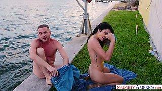 Eye-catching bikini babe Adria Rae gives incredibly good blowjob