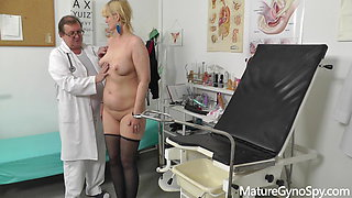 Horny granny caught cumming with fucking machine