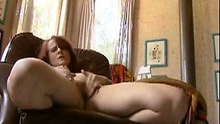 Cute Teen Slips Off Her Panties And Orgasm