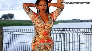 Galidiva in Lake Video - SexMex