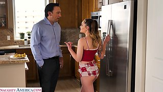 Daddy can't say no to sex-starved stepdaughter Sera Ryder