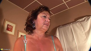 Orgasm craving Katja V masturbates before a nice shower