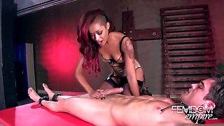 skin diamond having fun with her slave