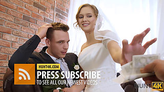 HUNT4K For cash mature guy gets the opportunity to fuck pretty bride