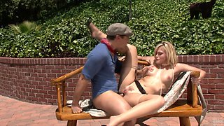 Seductive porn hottie Alexis Texas likes to get nailed hard and doggystyle