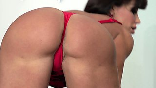 Amazing cougar Lisa Ann getting her asshole pounded